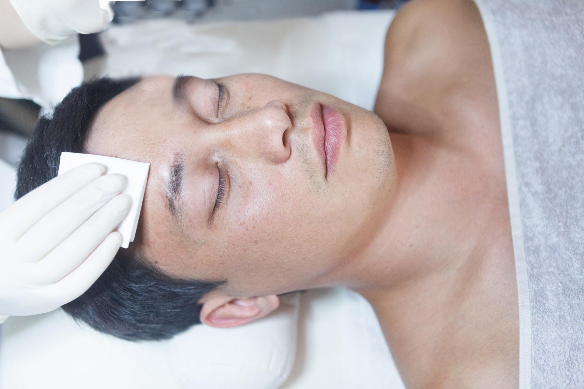 お肌の汗や油汚れの除去